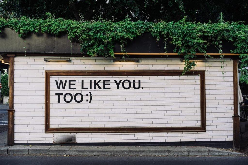 E' bene chiedersi se il tuo brand è apprezzato, se si creano conversazioni attorno al brand e ai suoi prodotti. La brand reputation è importante per una buona strategia di marketing.