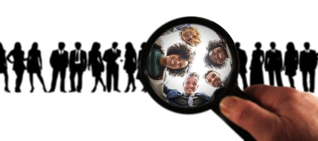 Lo studio del target di riferimento è il punto cardine di un'azione di Lead Generation. Infatti, grazie ad esso, puoi ottenere tutte le informazioni necessarie per procedere a cascata sul resto del lavoro in modo strategico e coerente.